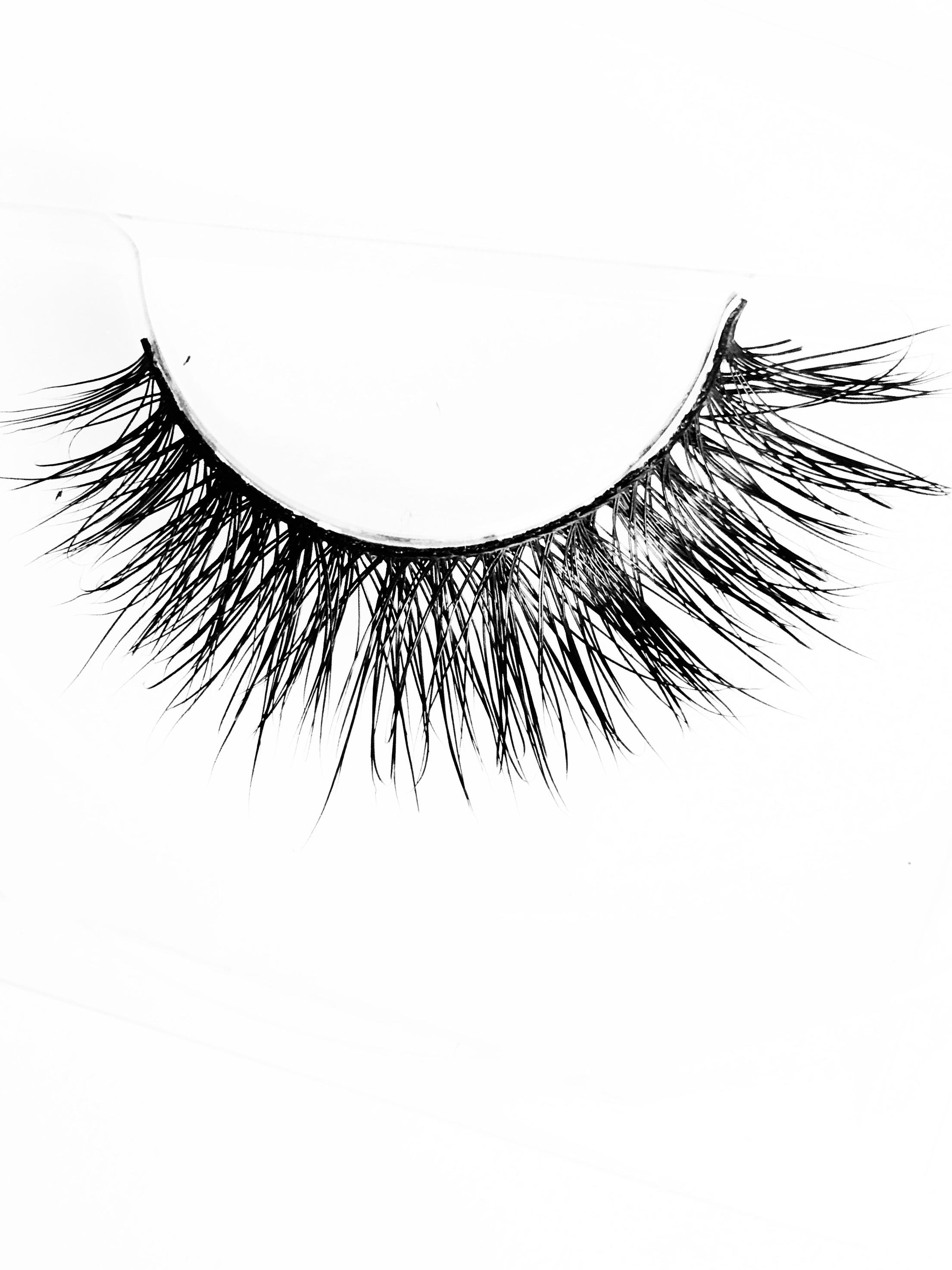 Scarlett Mink Eyelashes