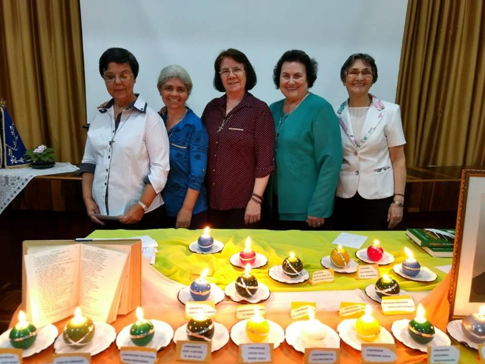 Foto: Das esquerda para a direita Irmãs: Marli Conceição Dias, Rosil Bueno, lca Maria Hendges, Olmira Dassoler e Maria Sônia Müller.