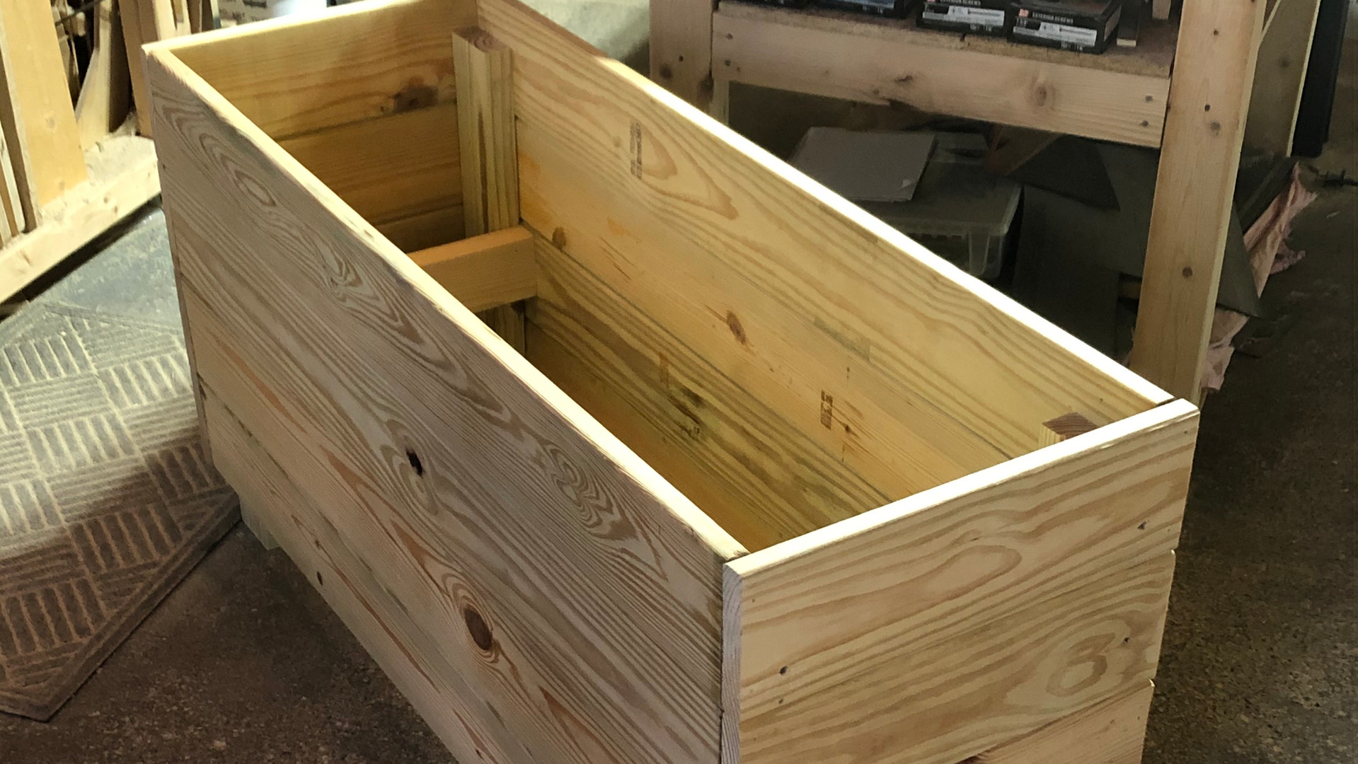 Low-rise Planter box