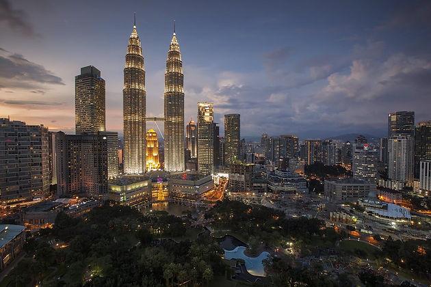 Dining-in-Kuala-Lumpur-Street-food-favor
