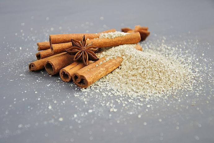 cinnamon-2221134_1920.jpg