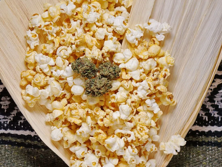 STONED HISTORY: SALTED PEARLS - THE TRUE HISTORY OF POPCORN (WITH RECIPE!)