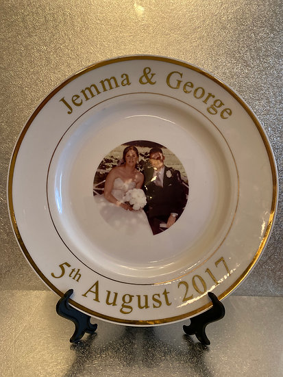 Gold rimmed plate  £10