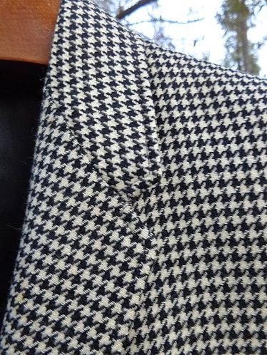 1960s Vintage Cashmere Jacket in Houndstooth