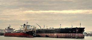 oil-tanker-2869374_1920.jpg