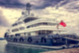 yacht-3480913_1920.jpg