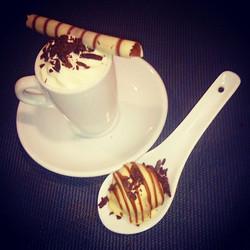Café Aromatizado+Trufa de caramelo= combinação perfeita! Servidos_