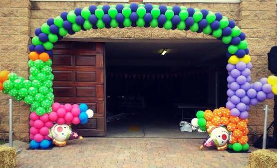 Clown Themed Arch