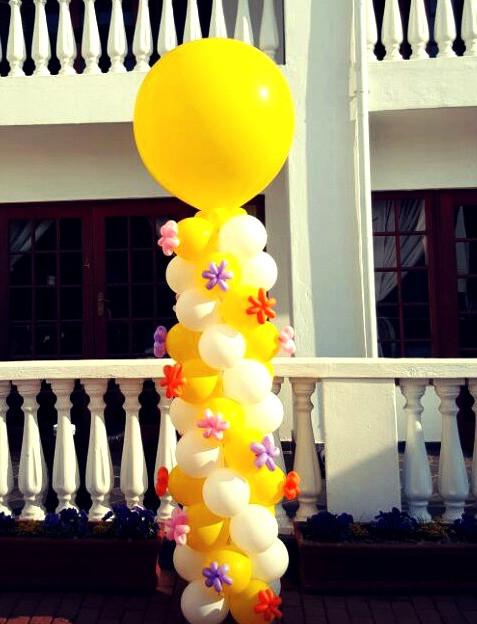 Flower Fetti Pillar