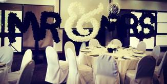 Mr & Mrs Balloon Lettering