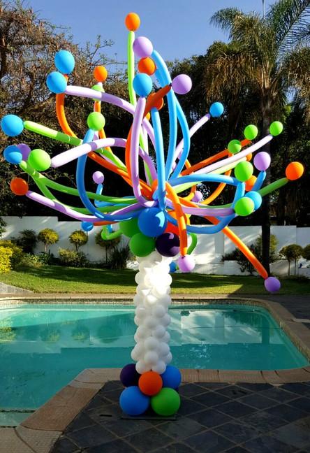 Poolside Fun Pillar