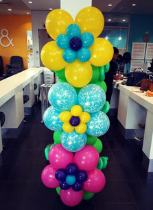 Bright Flower Pillar