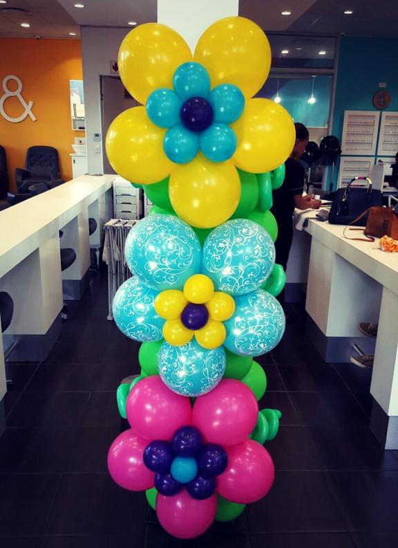 Bright Flower Pillar