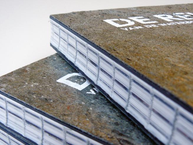 Boekomslagen van steen