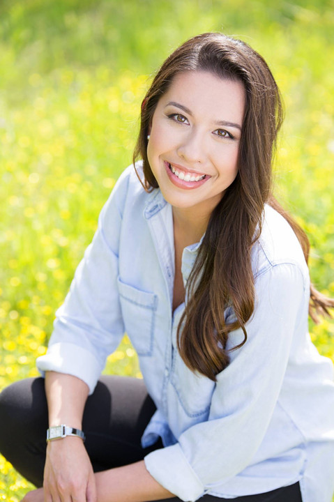 natural headshot for young woman