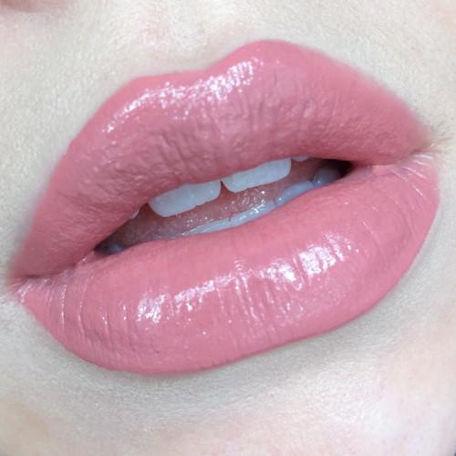 liquid-lipstick-loreal-spicy-blush-richmond-virginia-makeup-artist-blogger-swatches