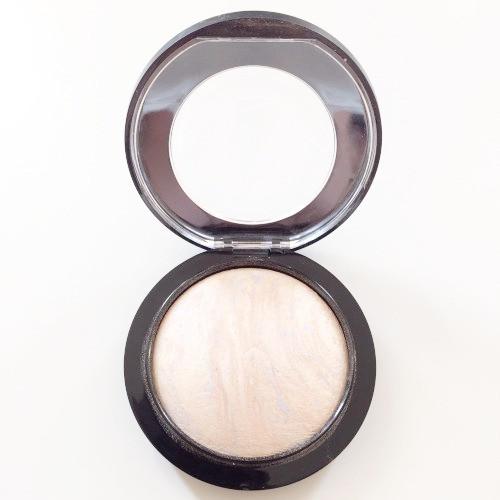 MAC-mineralize-skinfinish-lightscapade-highlighter-richmond-va-makeup-blogger