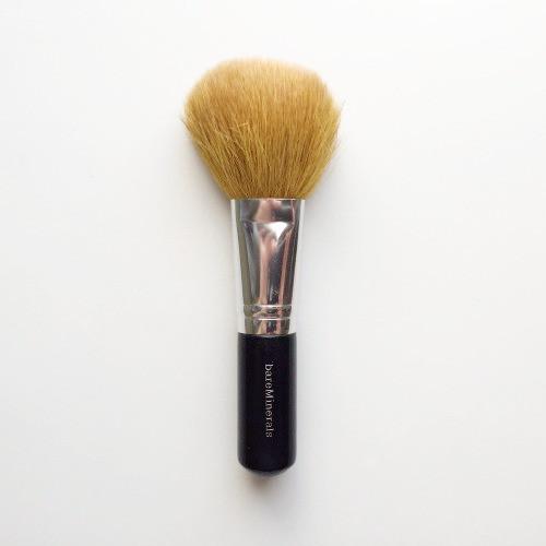 best-brushes-bare-minerals-flawless-face-brush-richmond-va-makeup-blogger