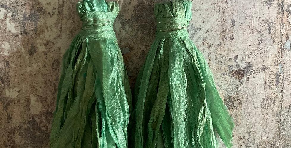 Mint pistachio green Sari-silk earrings