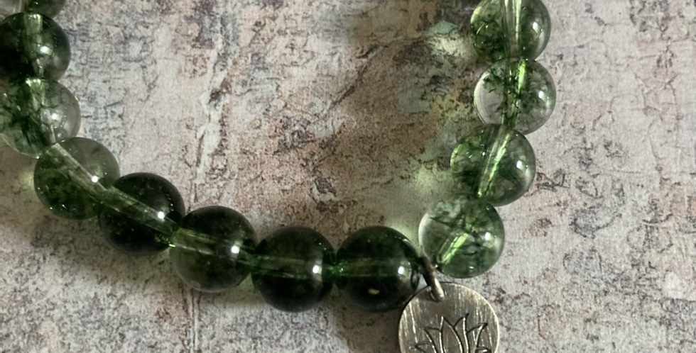 Green Phantom Quartz & Oxidised Silver 'stretch' bracelet