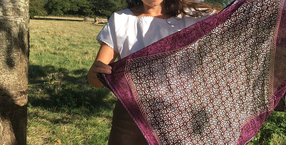 Beautiful Indian silk Scarf (Aubergine)