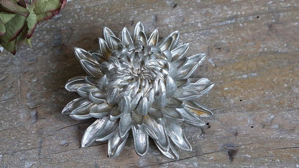 Toulon silver flower