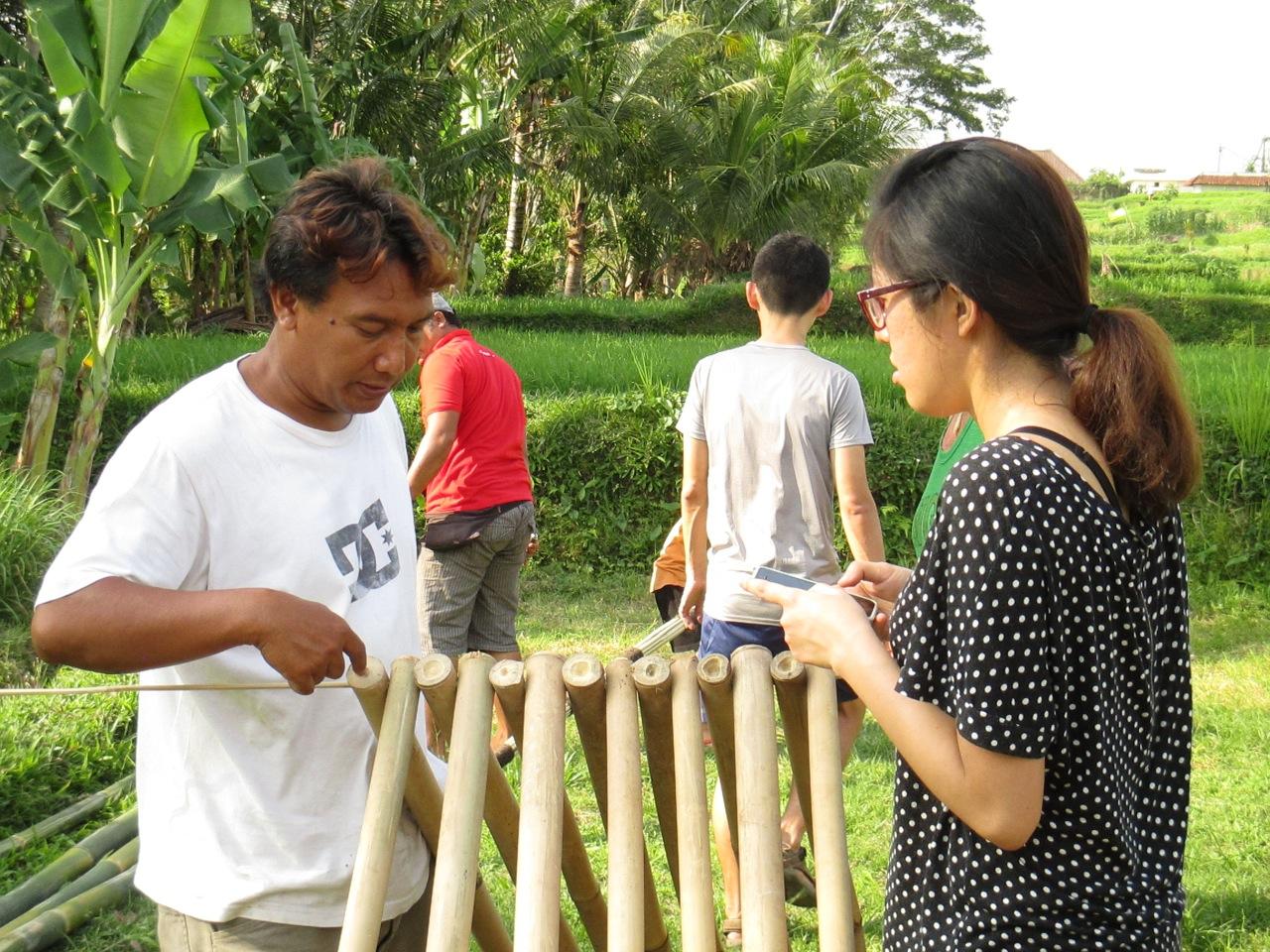 Explaining construction methods
