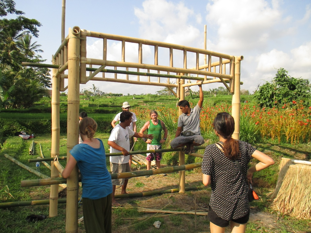 The frame goes up in Subak Malung