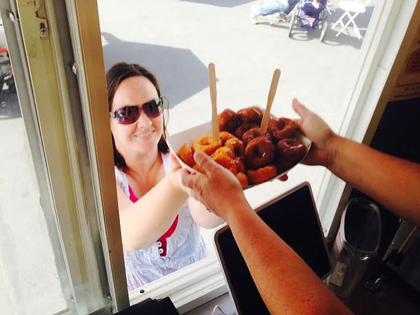 Hot, delicious, gourmet mini donuts for catering, at festivals and markets in King County and WA