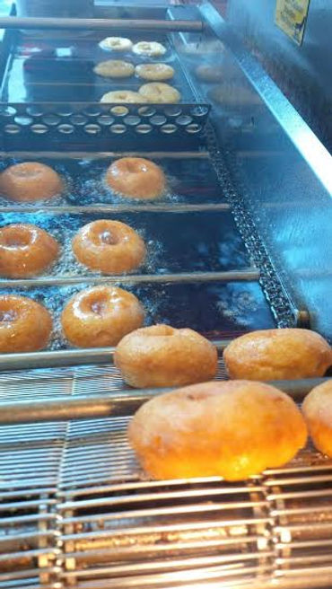 Hot Revolution Donuts, gourmet, delicous mini donuts in Seattle, King County and WA State