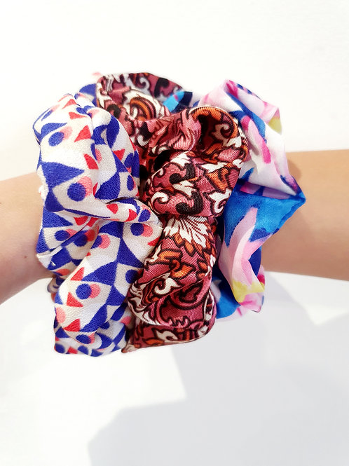 Medium  Scrunchies- pink