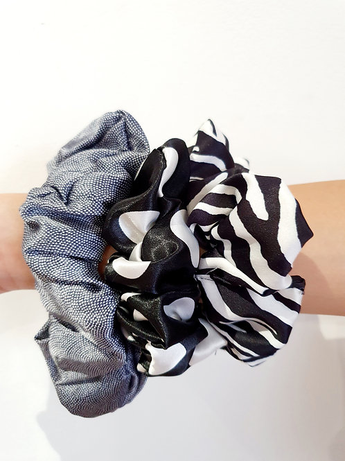 Large Scrunchies- Black