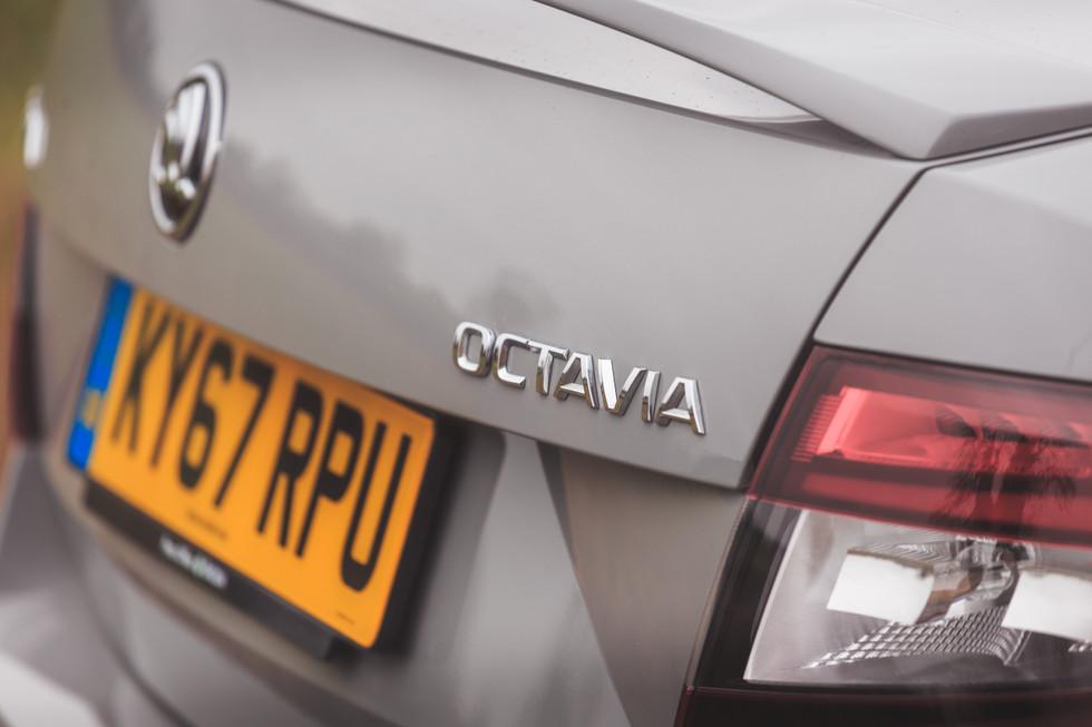 Scoda Octavia VRS-5.jpg