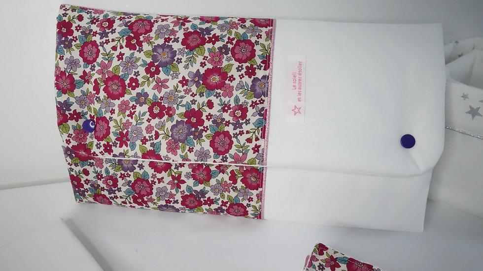 Tapis à langer Nomade Hana - pochette à couches intégrée