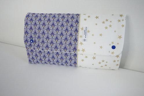 Tapis à langer Eventails bleu - pochette à couches intégrée