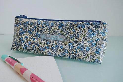 Trousse tissu enduit bleue à fleurs