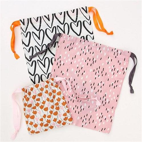 Floral Hearts Drawstring Travel Bag Set