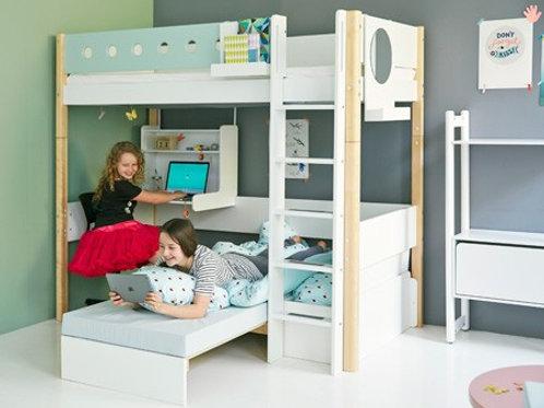 Letto sopra-elevato Flexa White con divano letto e scrivania