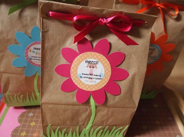 Sacolinhas decoradas com tag