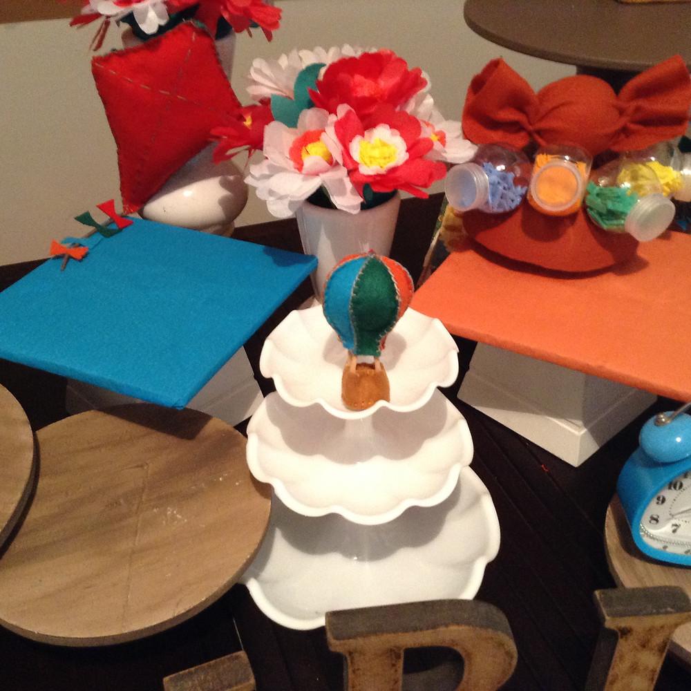 Detalhe montagem da mesa de bolo