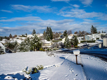 snow-covering-a-neighborhood-in-salem-or