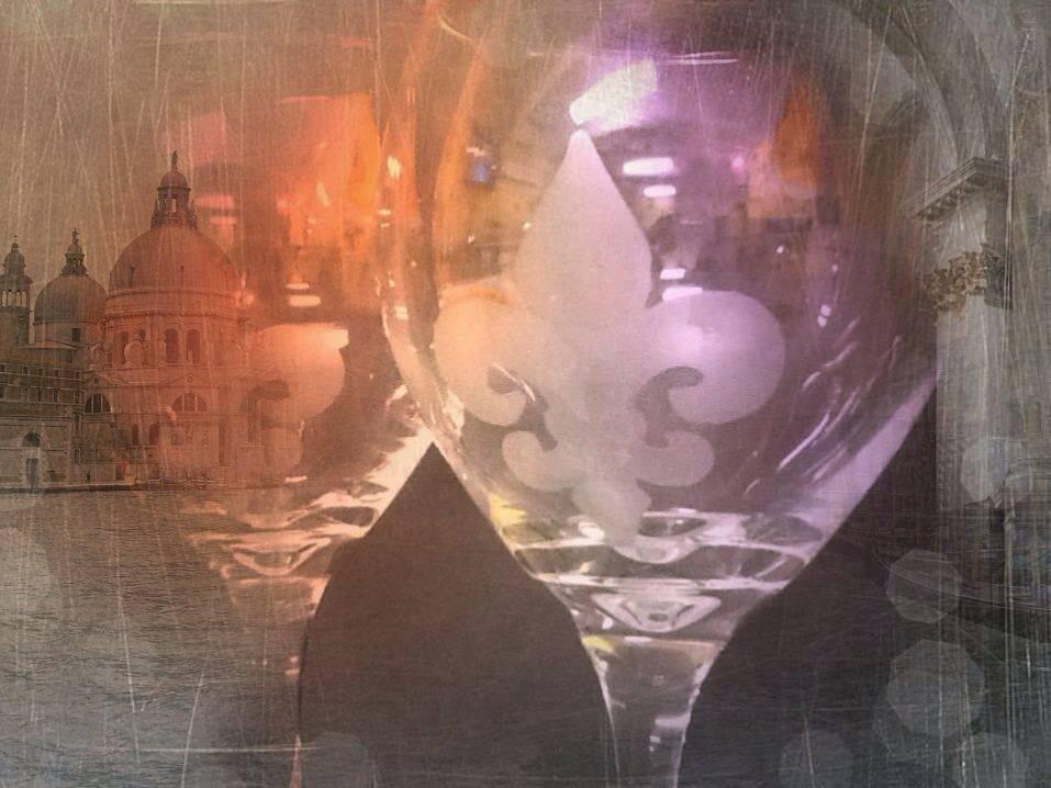 Etched Fleur De Lis Wine Glasses