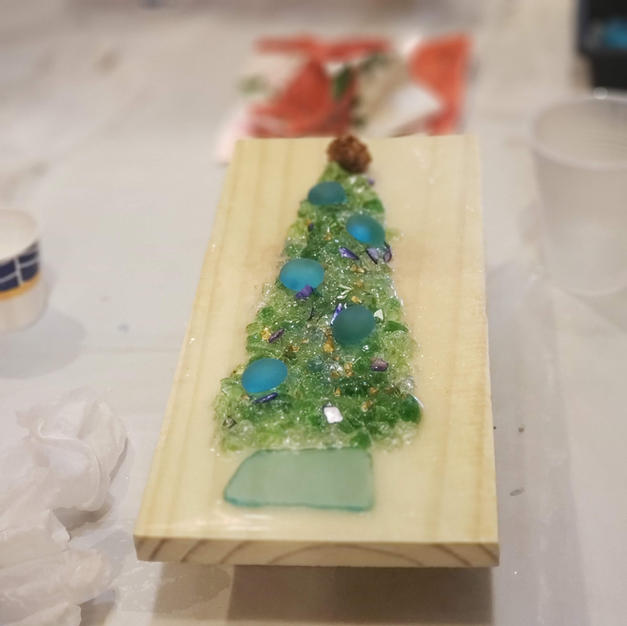 Glass and Resin Christmas Tree Workshop