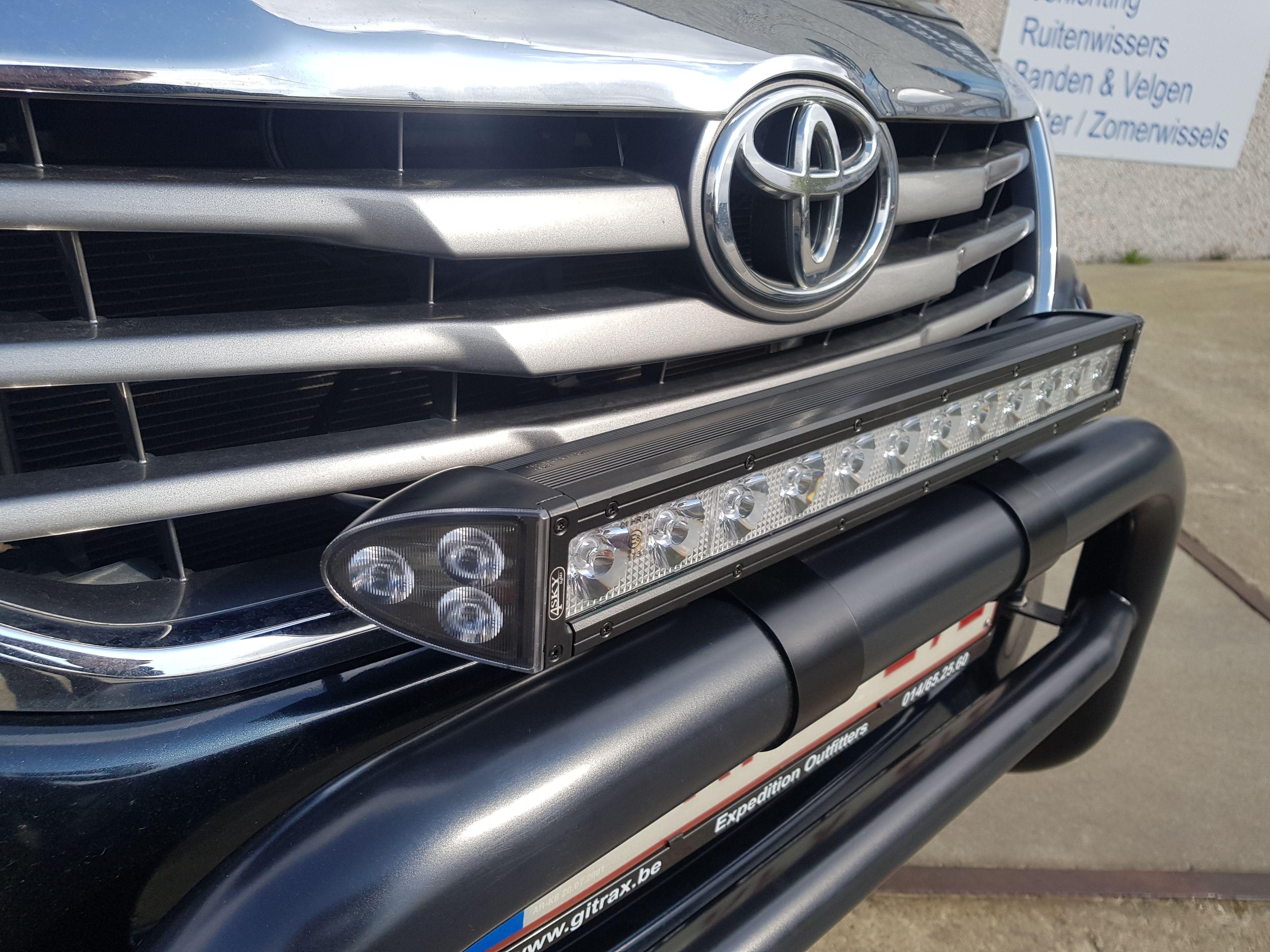 Gitrax Toyota Hilux
