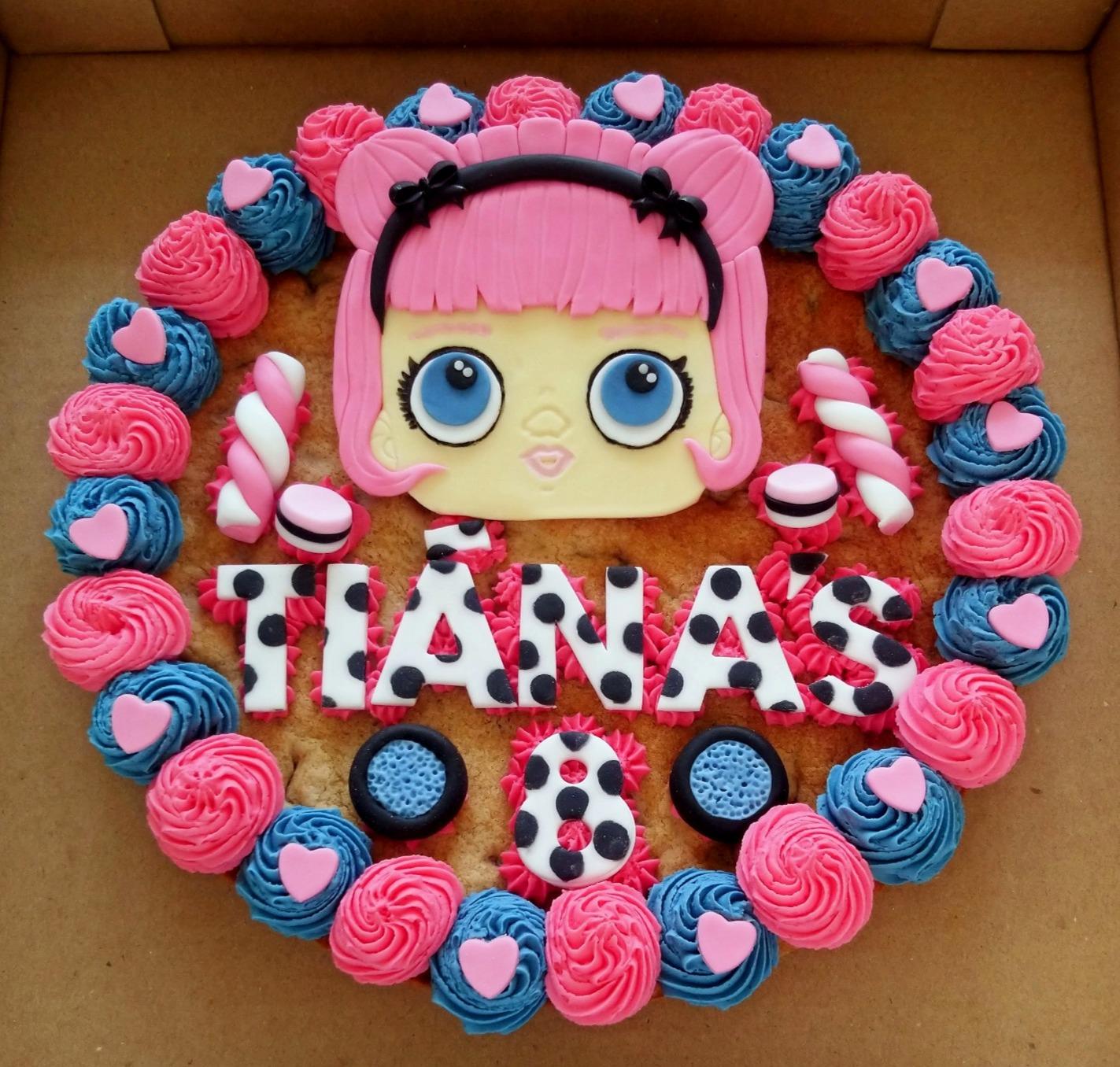 LOL Dolls Giant Cookie
