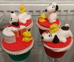 Snoopy and Woodstock Birthday Cupcakes