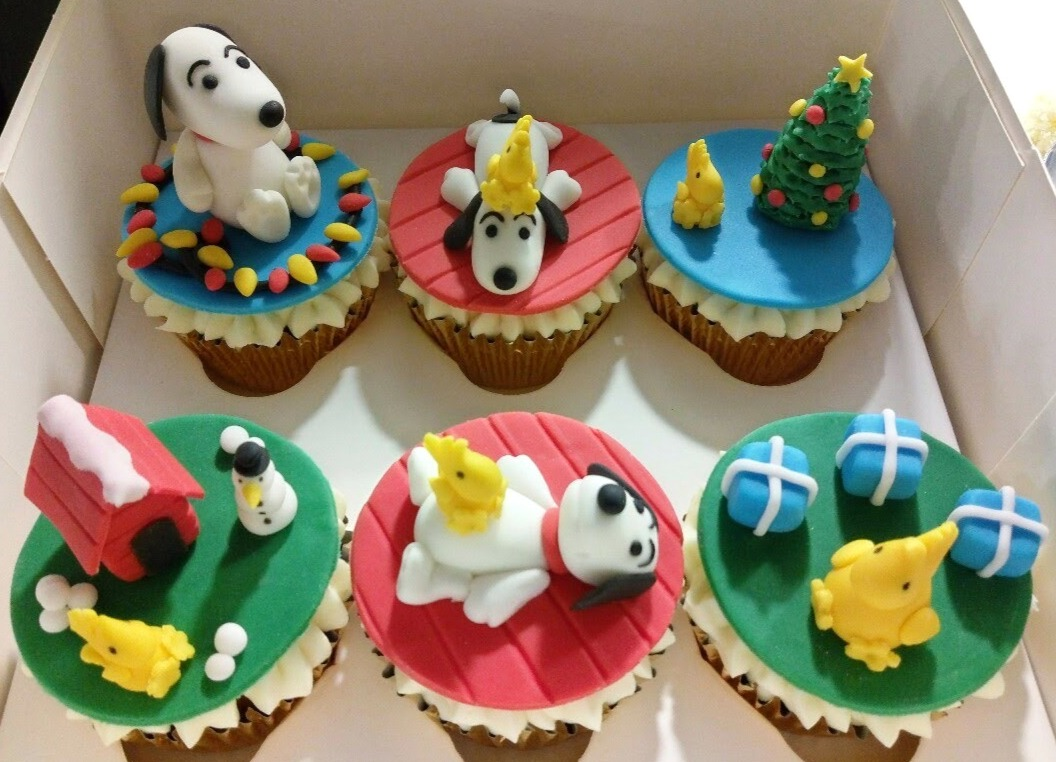 Snoopy At Christmas Cupcakes