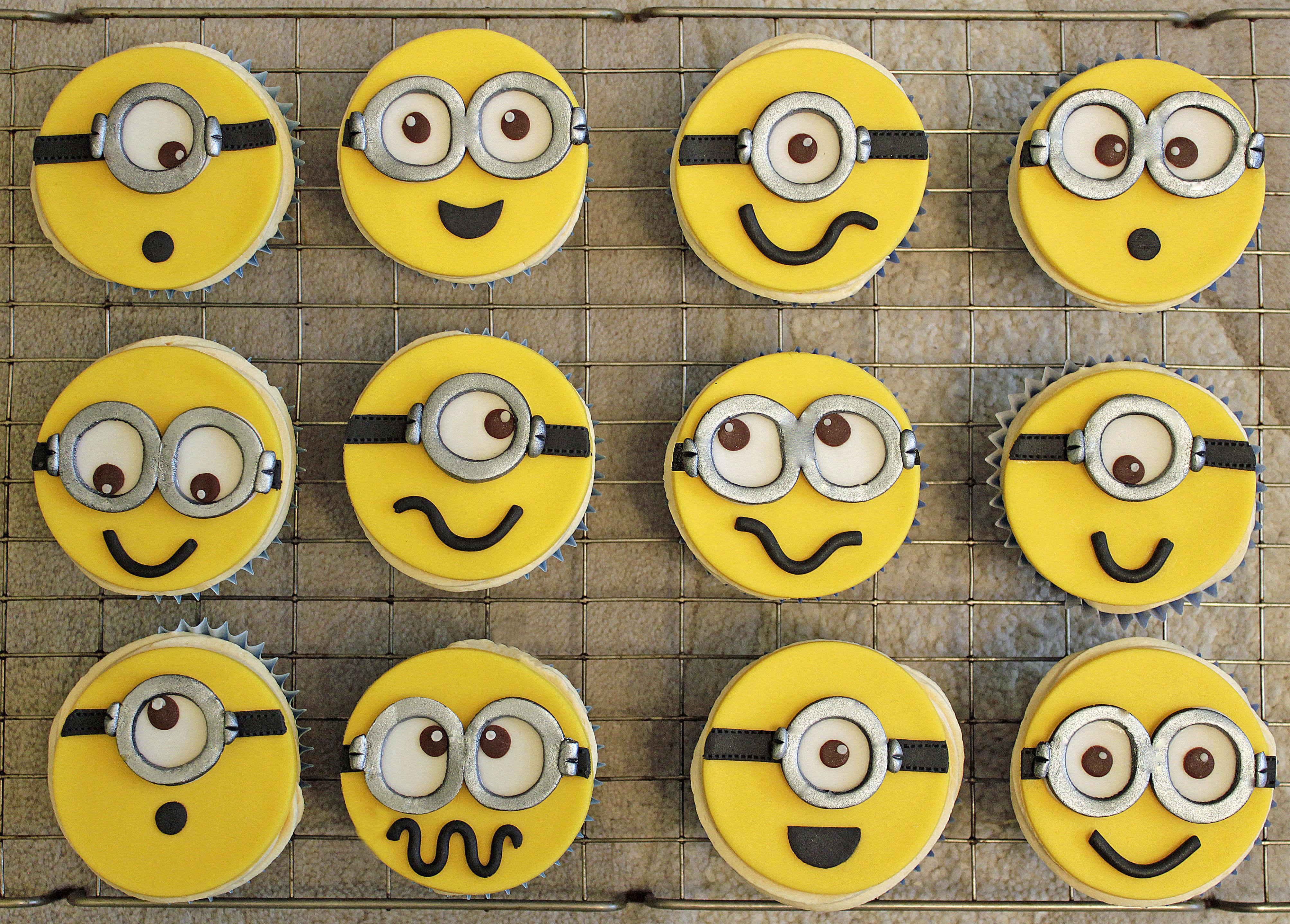 Despicable Me Minion Faces Cupcakes