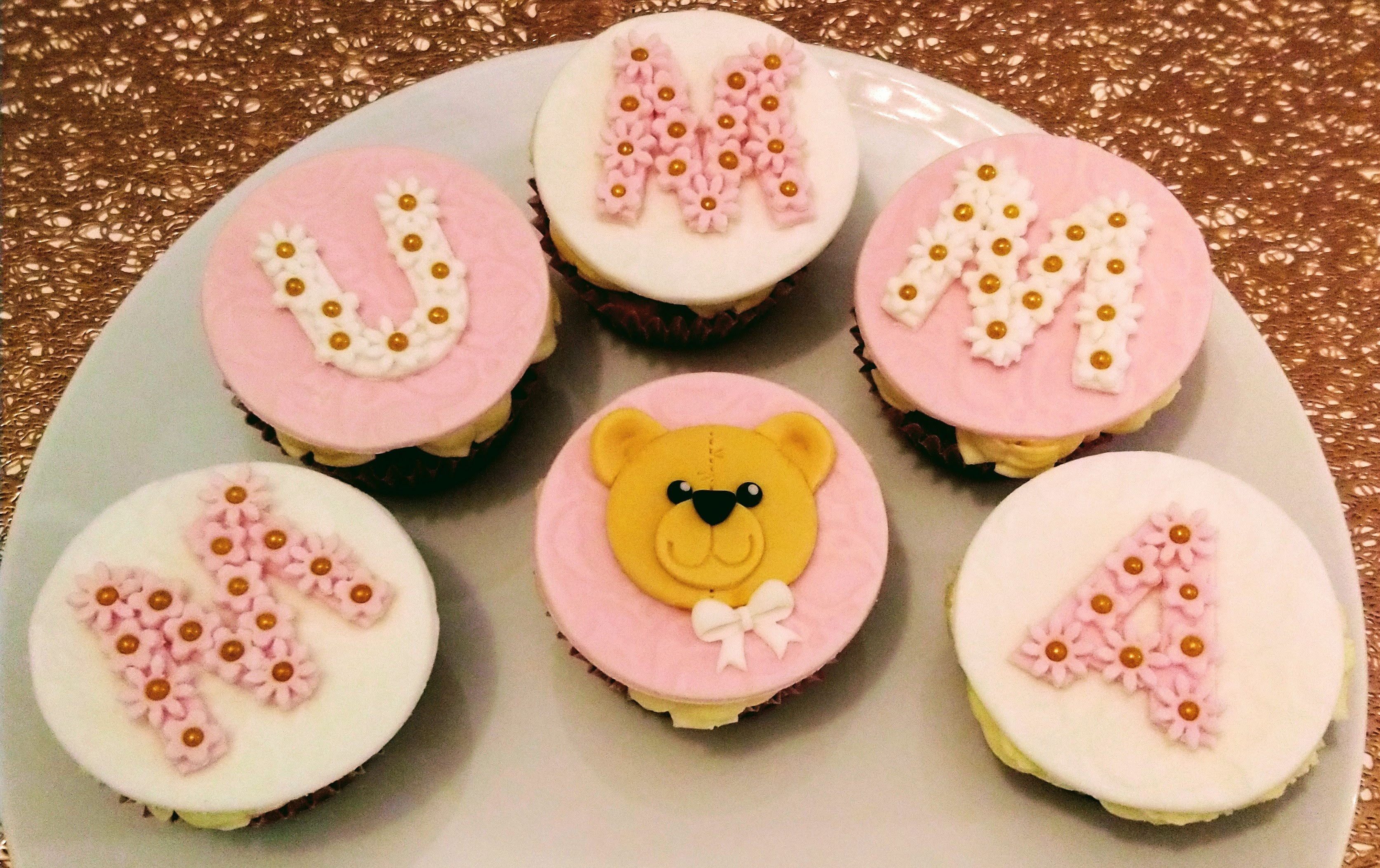 Mother's Day Mumma Bear Cupcakes