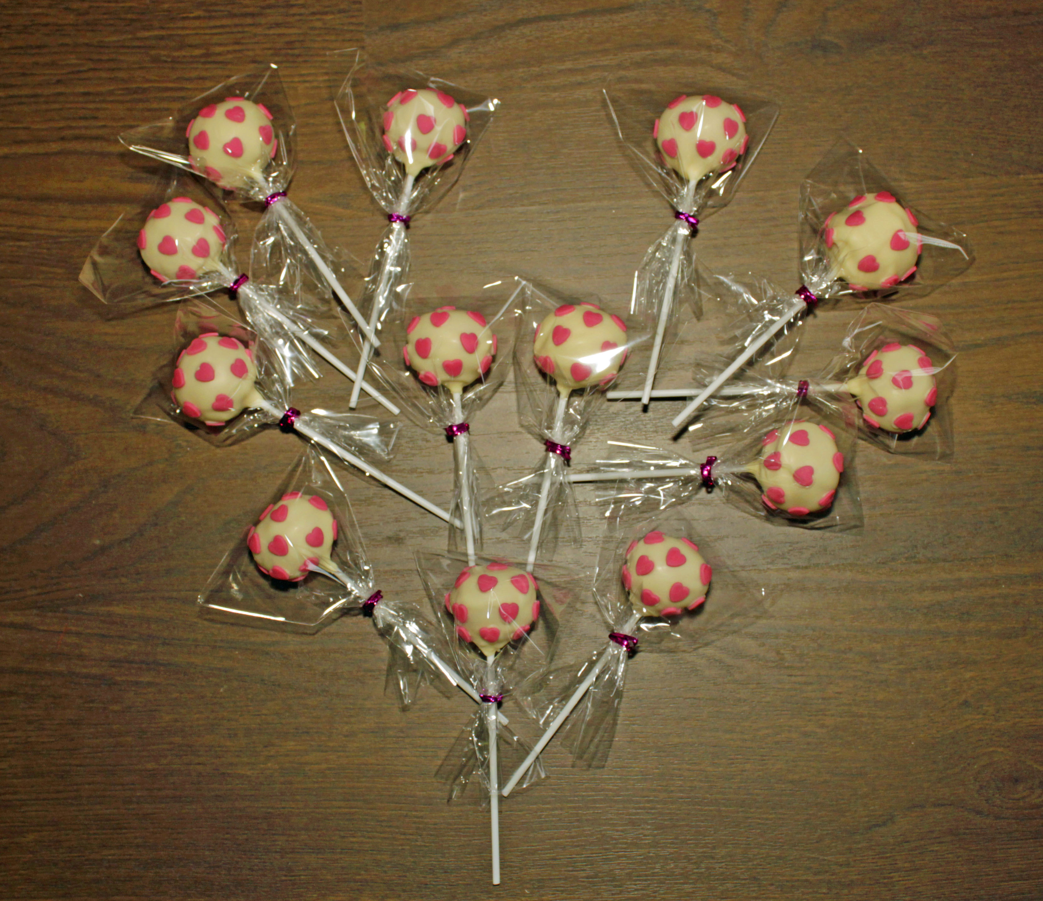 Valentines Heart Cake Pops
